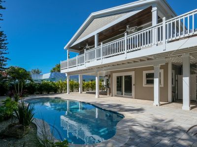 Beautiful house with pool, walk to the beach! See special spring prices☀️🏖😊