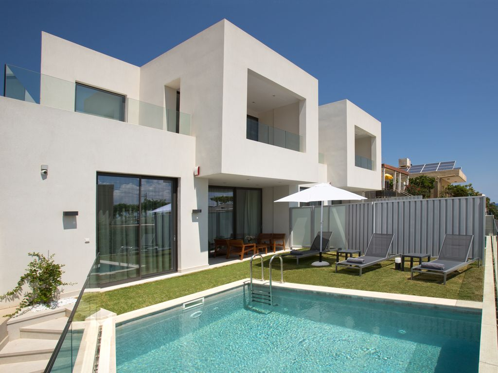 New modern villa sk 200m to beach amenities priv pool 200 sqm living space