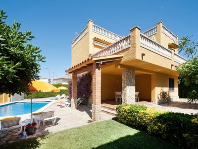 Photo for - House just a few meters from the beach