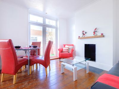 Photo for Spacious, tranquil location, good access to motorways - Elmhurst House, Bristol