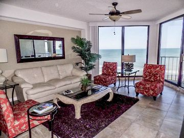 One Ocean Place, Outstanding Oceanfront Condo, Garden City Beach