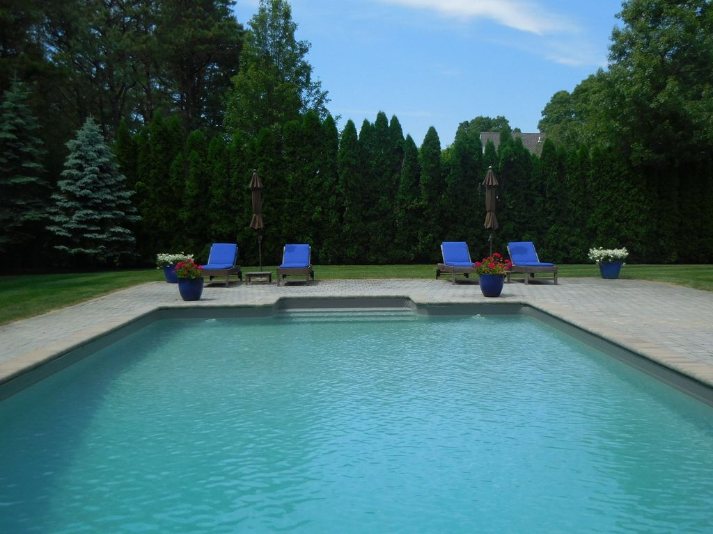 Wainscott Woods House Rental: Wainscott Luxury With Heated Pool ...