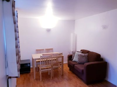 Photo for Modern 2 Bedroom Apartment with Lounge SLEEPS6 (B)