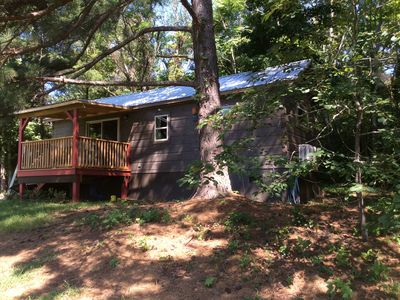 Peaceful, private & serene cabin near wineries, TIEC & outdoor activities