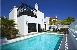Beautiful Villa with private heated pool