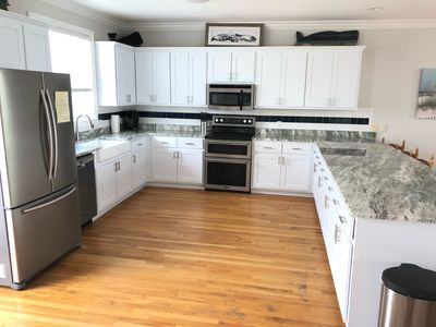 New kitchen 2019. Lots of room for many cooks.