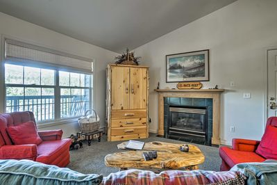 Pack your bags and plan your trip to this Estes Park vacation rental condo!