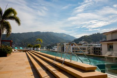 The park 309, Rooftop pool. (MyPvRentals)