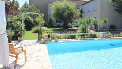 Photo for Large traditional villa with pool bordering Avignon