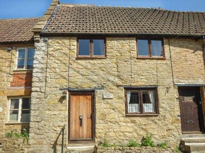 Photo for BRAMBLE NOOK, pet friendly in Haselbury Plucknett, Ref 914790