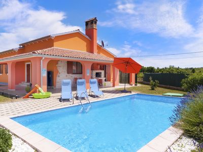 Photo for Romantic pool villa in the heart of Istria, family friendly, large garden