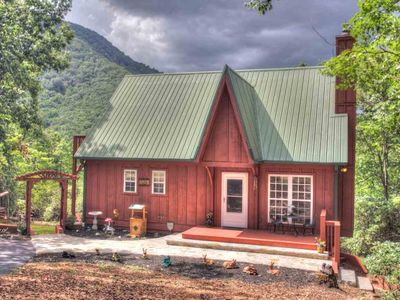 Ginger Bread Haus- Amazing Family Cabin w Views