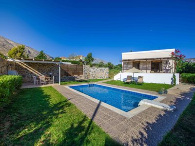 Photo for Gasparakis villas. Iris bungalow, private pool and garden, COCO-MAT mattress.