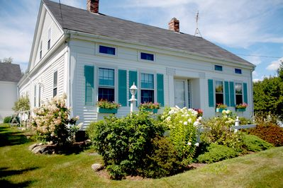 Lovely, Traditional 19thc. New England Cape farmhouse overlooking the ocean