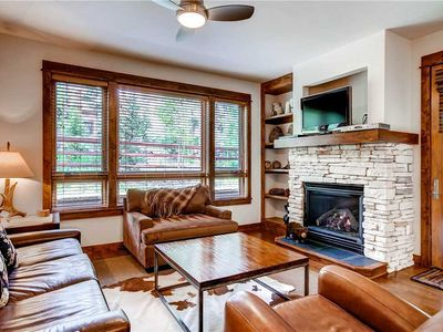 Photo for Mountain views, gas fireplace, outdoor pool & 24 hr desk!
