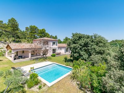 Photo for Villa Durença - Nice villa for 10 between Aix and Luberon