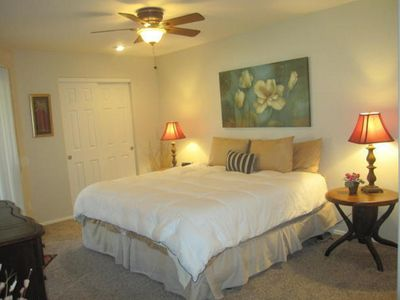 Photo for Furnished 1-bedroom condo in Paradise Valley.