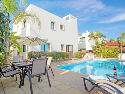 Photo for Modern Spacious Villa with Private Pool, A/C, WiFi and close to the Beach!