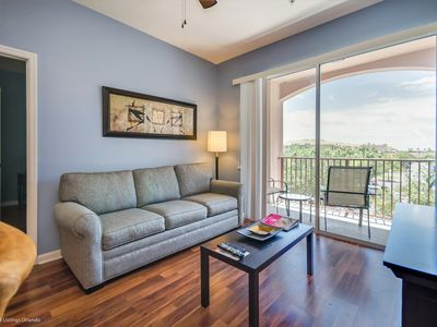 Photo for Third-floor 3-bedroom, 2-bath pet friendly condo near the clubhouse and pool!