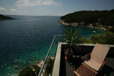 Photo for Holiday apartment Milna for 1 - 4 persons with 2 bedrooms - Holiday apartment