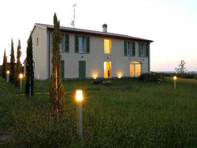 Photo for Residenza Ca 'Lunga: villa with swimming pool in the vineyards