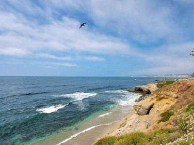 Fabulous La Jolla Village Getaway - Steps to Beach