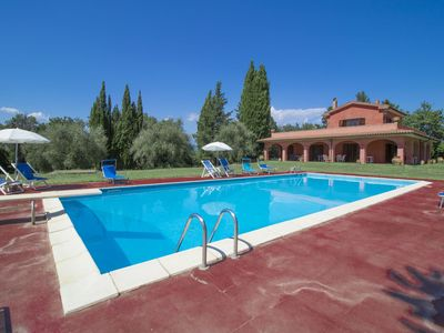 Photo for Beautiful private villa for 8 people with A/C, private pool, TV, balcony, pets allowed and parking