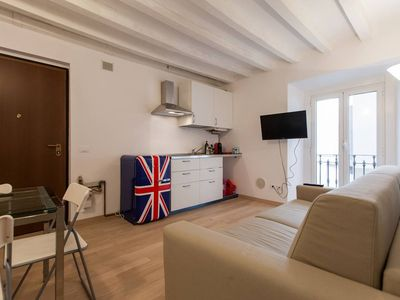 Photo for Fashion apartment in Porta Vittoria with WiFi, air conditioning & balcony.