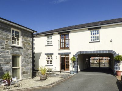 Photo for TALIESIN, pet friendly, with a garden in Porthmadog, Ref 920077