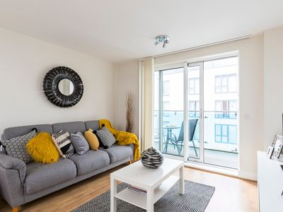 Photo for Hammersmith 2 Bed 2 Bath