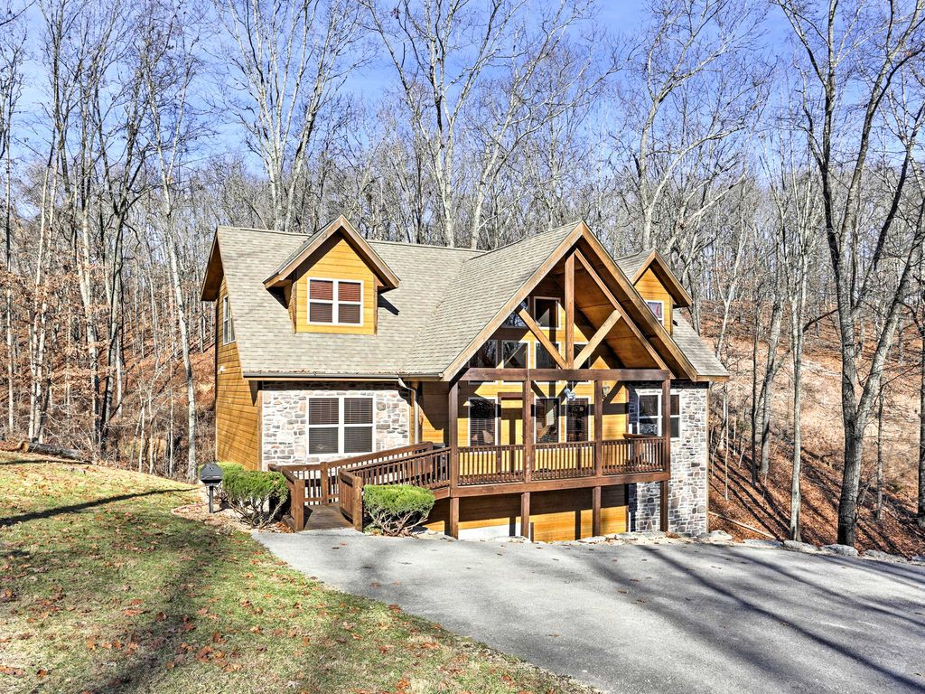 Gold Rush Lodge Branson Cabin W Game Room And Deck