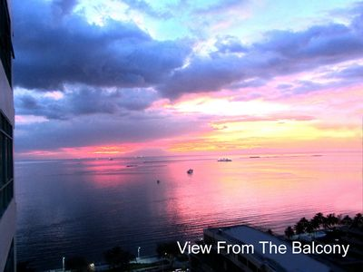 Photo for Baywatch Tower - Malate - Studio 37 m2-Excellent view of Manila Bay