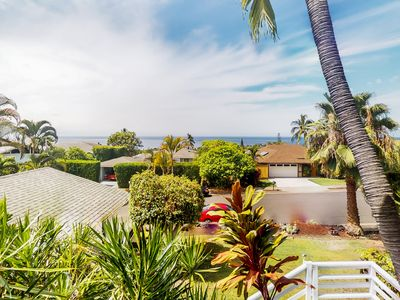 Photo for Ocean view Kona home w/ vaulted ceilings, huge lanai, sun room & WiFi!