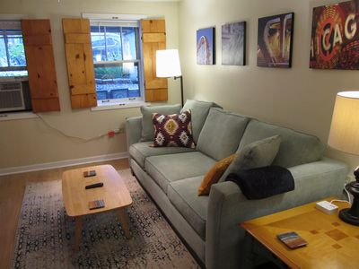 Photo for Cozy Vintage Chicago Apartment near Downtown
