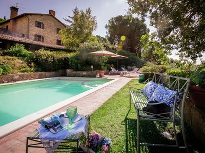 Photo for Luxurious villa with private pool and panoramic views over Lake Trasimeno