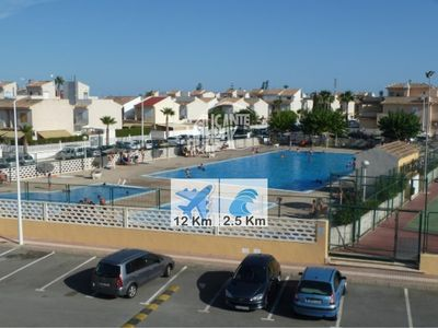 Photo for Sea breeze, pool and tennis court.