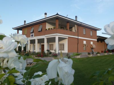 Photo for Cozy apartment between vineyards and Piedmontese flavors