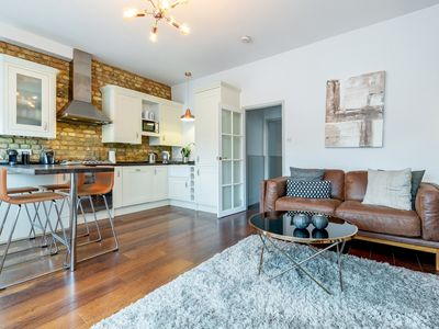 Photo for Vauxhall Park Views - 2bed flat in Vauxhall