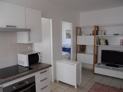 Photo for Independent apartment 5 mins from the airport--2 bedrooms kitchen bathroom