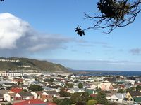 Nice location near the shops and not far from Lyall Bay beach