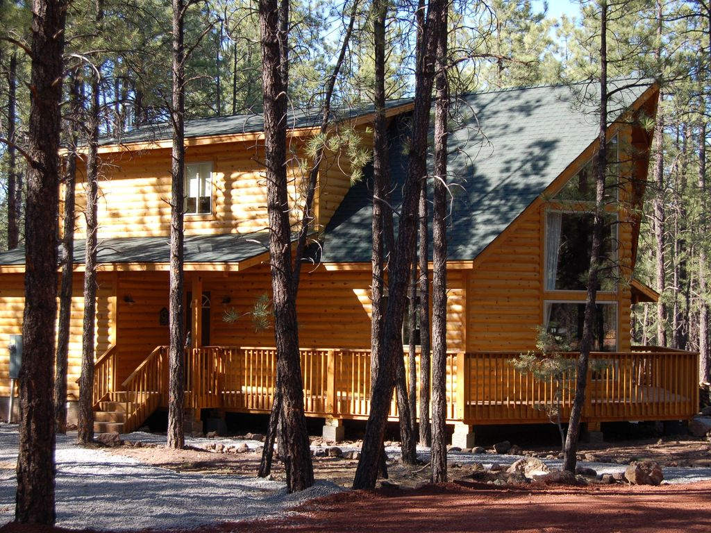 Raccoon ranch book for summer now gorgeo vrbo for Az cabin rentals with hot tub