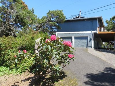Photo for 2 Bedroom, 2 bath, 2 car garage, on private lot with fenced yard - Osprey Pines