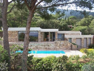 Photo for Contemporary villa in exceptional beachfront. 5 minutes from the beach