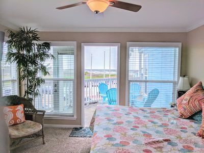 Photo for Beautiful 2/2 condo directly on the beach!