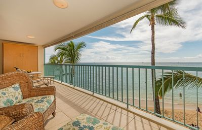 Photo for Beachfront Condo W/Large Lanai And Beautiful Ocean Views And Free Parking!