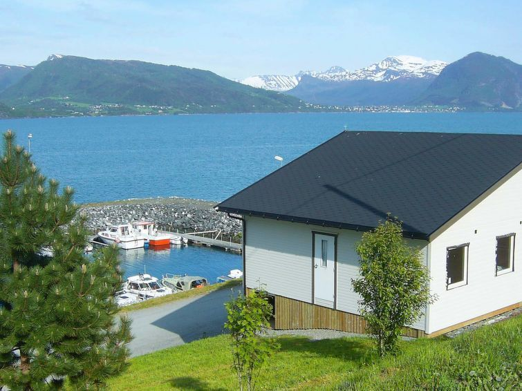 Vacation Home Lauvstad In Lauvstad, Northern Fjord Norway