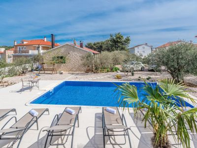 Photo for 2 bedroom Villa, sleeps 4 in Brodarica with Pool, Air Con and WiFi