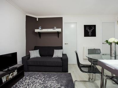 Photo for Brand new elegant 3 bedroom apartment