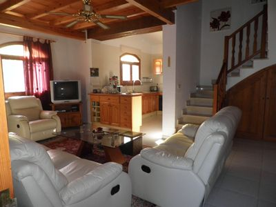 Photo for 4 bedroom villa with a swimming pool in L'ampoule 2 km from the beach