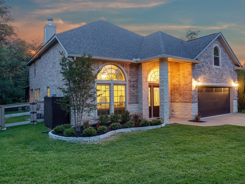 5 Bedroom On Over An Acre College Station Texas Rentals And Resorts